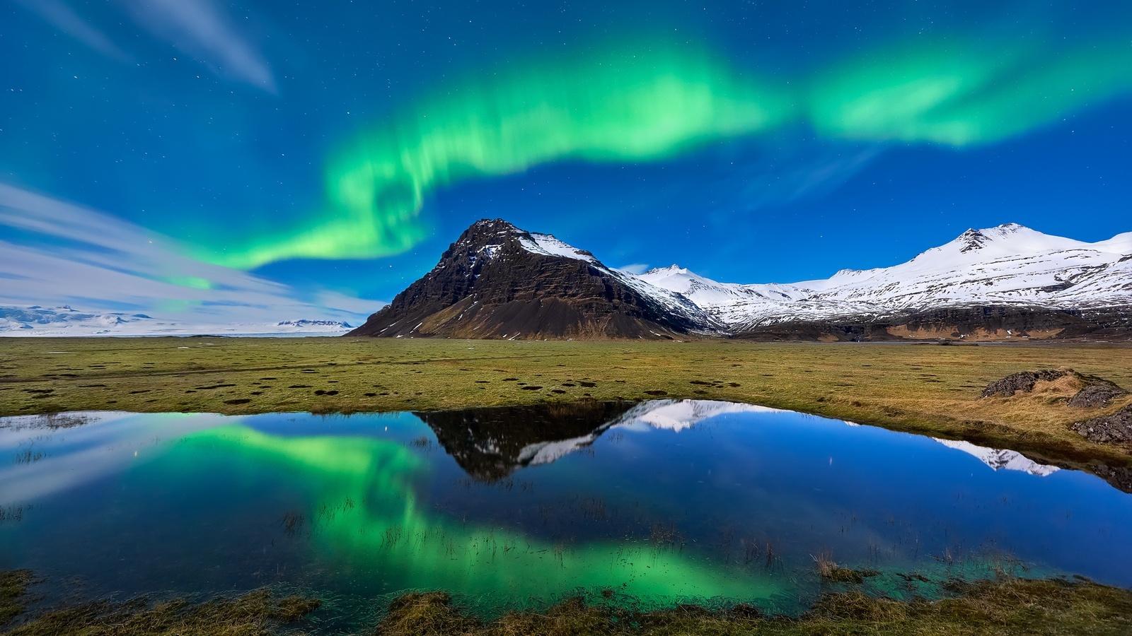 1600x900 aurora borealis light mountain nature reflection