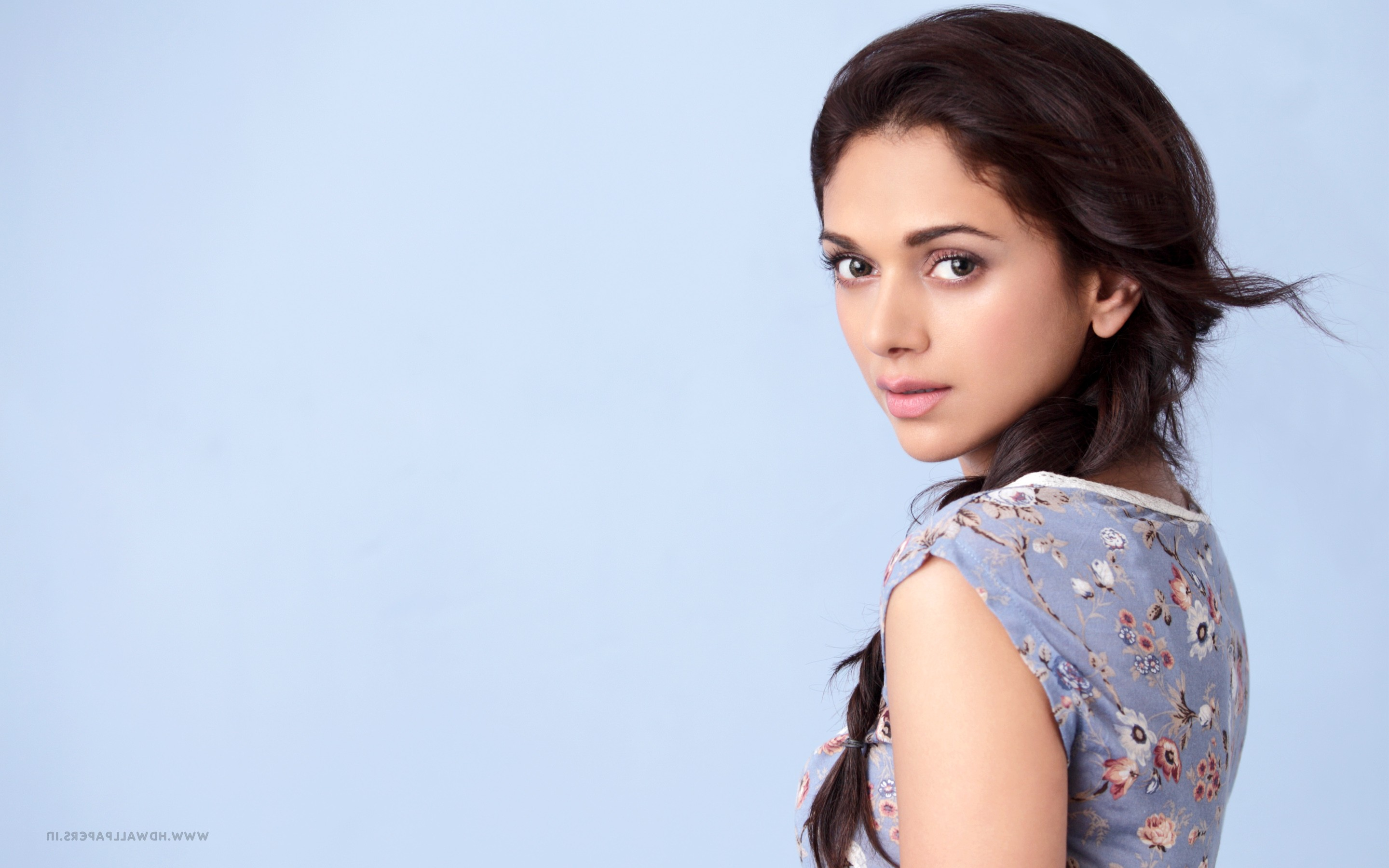 2880x1800 aditi rao hydari 2 macbook pro retina hd 4k for Aditi indian cuisine