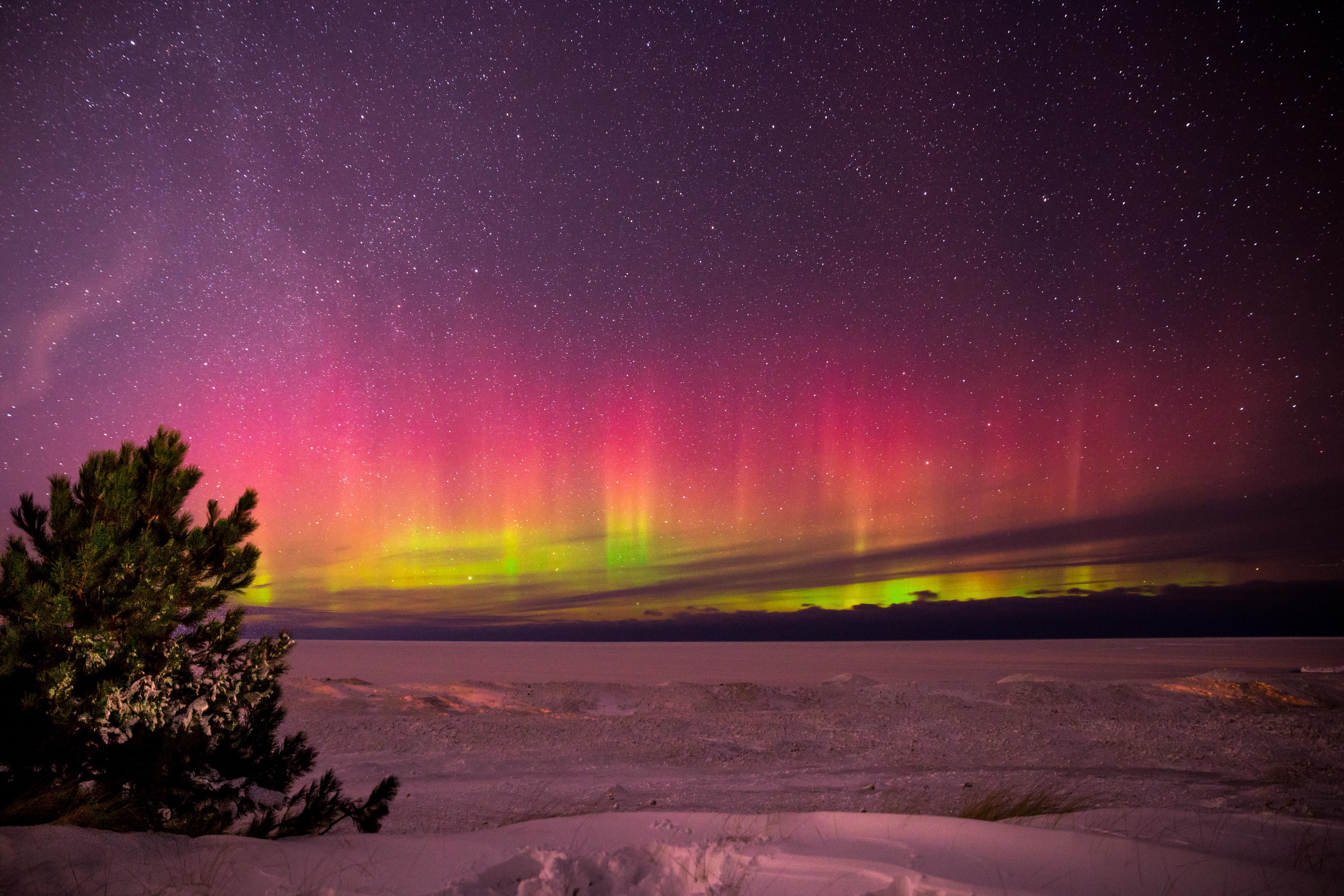 1366x768 Aurora Borealis In Marquette Michigan 1366x768 ...