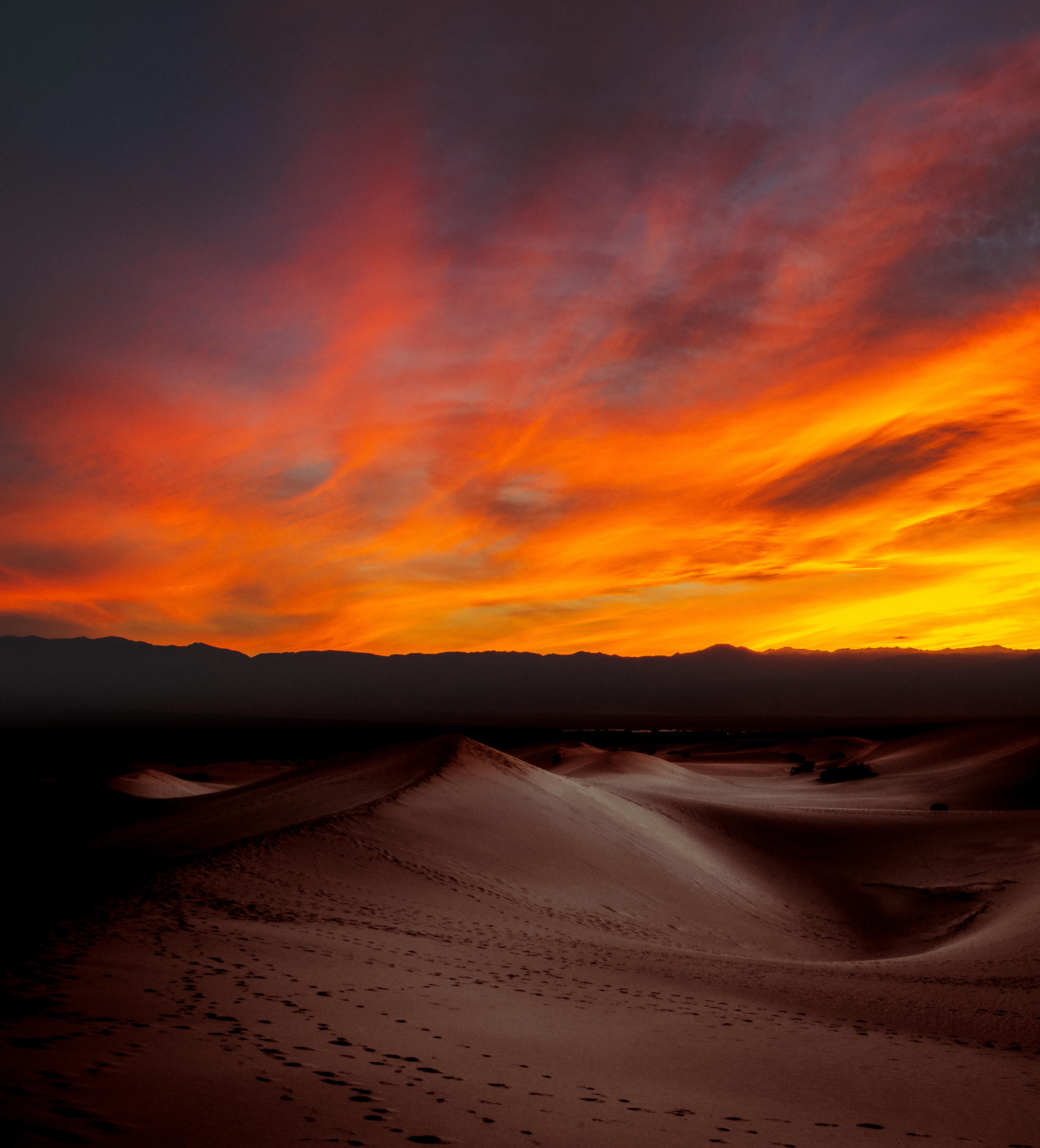 4k Resolution Wallpaper: 2560x1440 Burning Sunset Dark Desert 4k 1440P Resolution