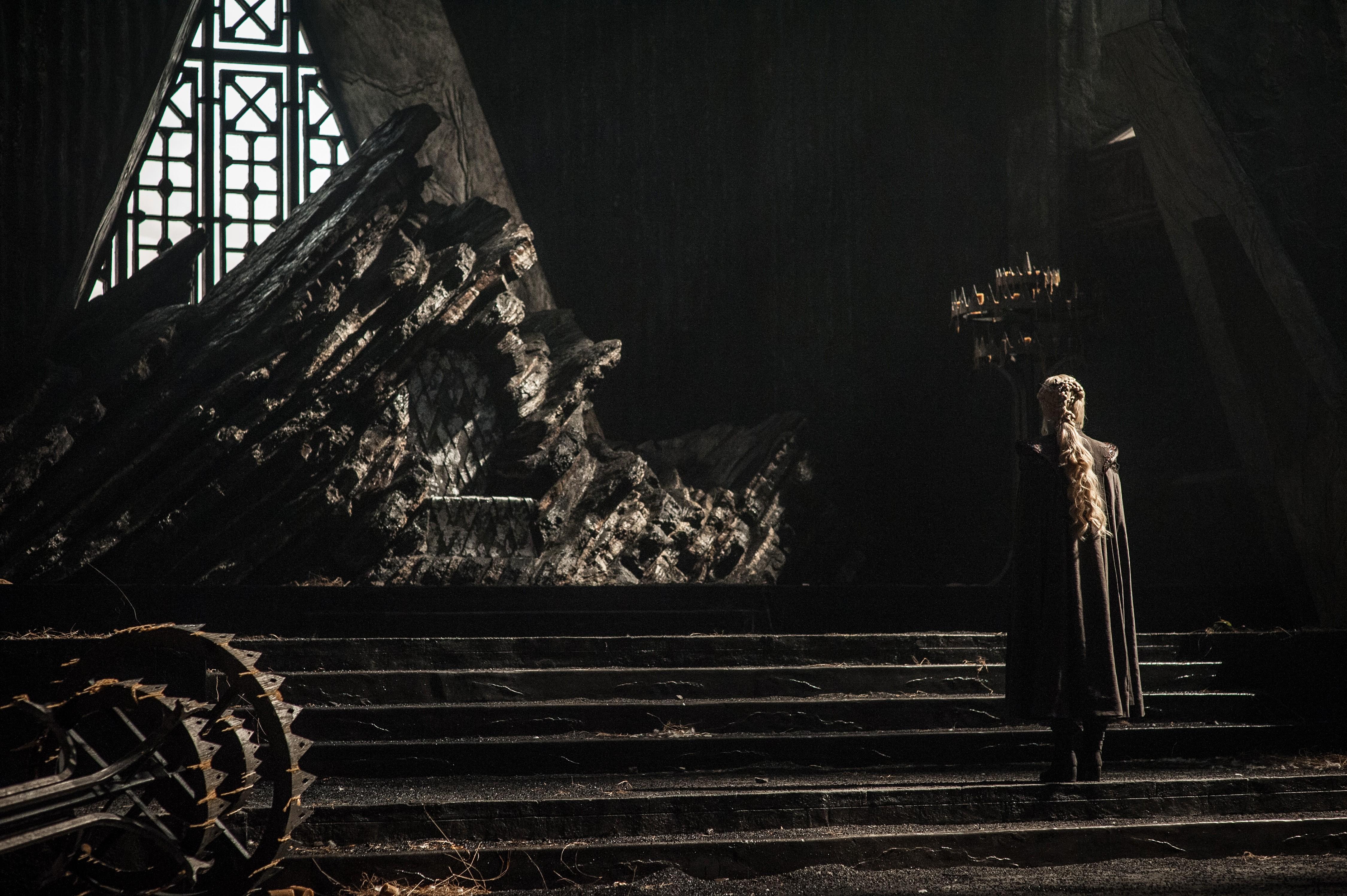 game of thrones emilia clarke season 1