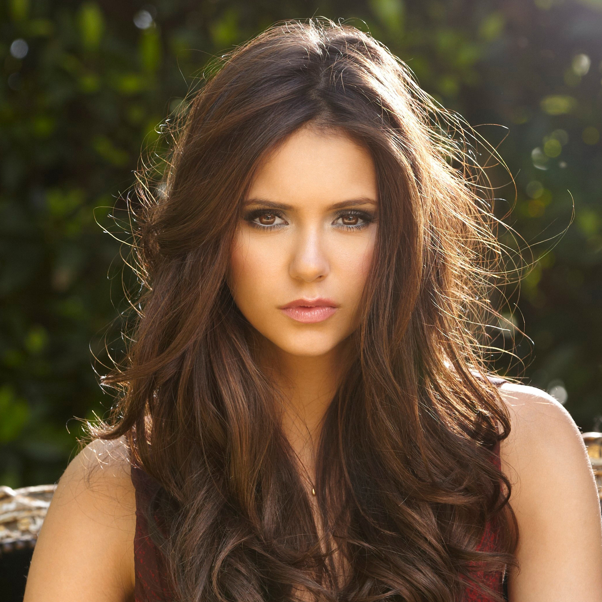 Nina Dobrev Wallpaper: 2048x2048 Nina Dobrev Ultra Hd 4k Ipad Air HD 4k