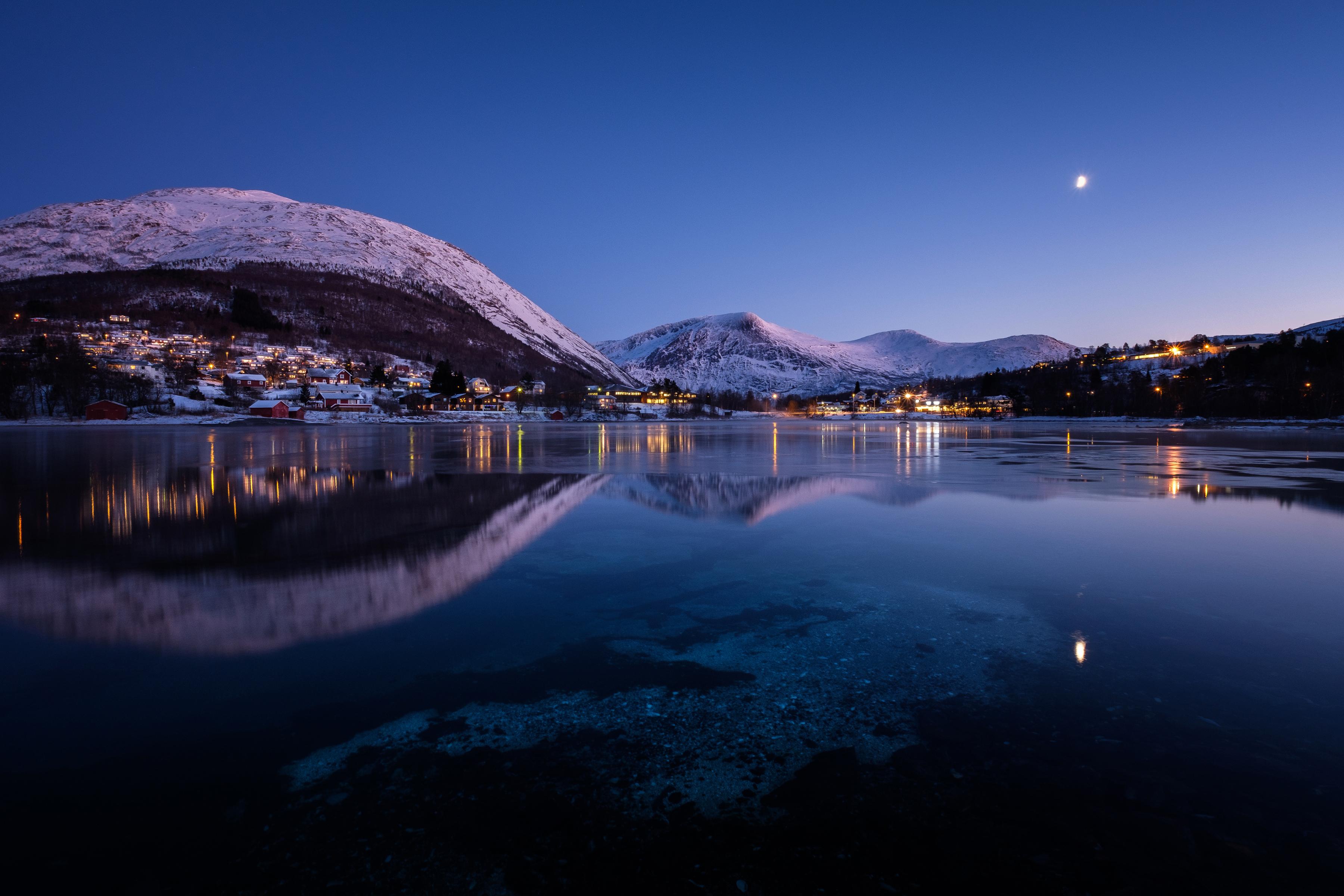 1440x900 norway mountains evening lake cities night - Night mountain wallpaper 4k ...