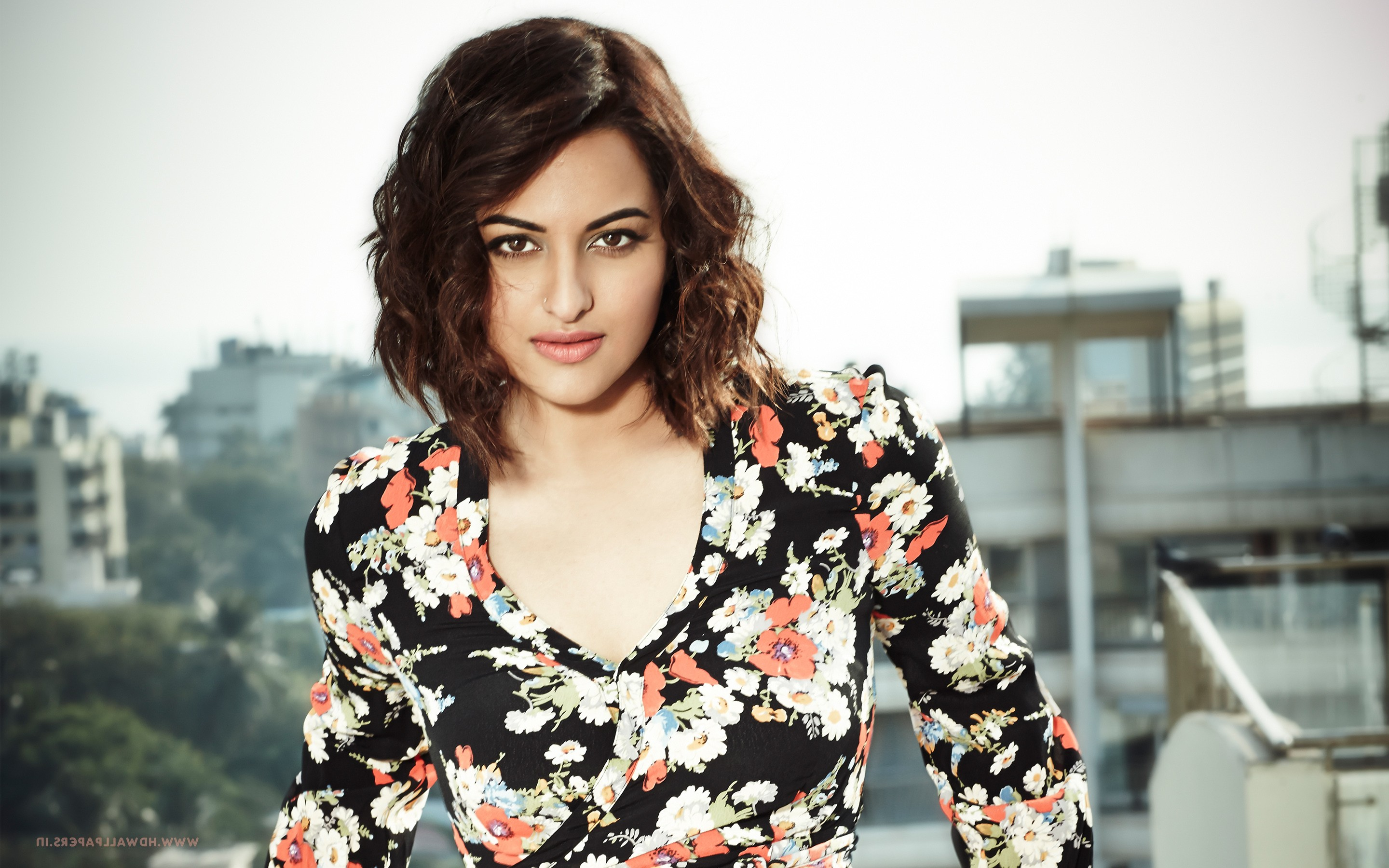 640x960 Sonakshi Sinha 6 IPhone 4, IPhone 4S HD 4k