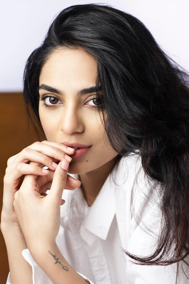 2016-sobhita-dhulipala-do.jpg