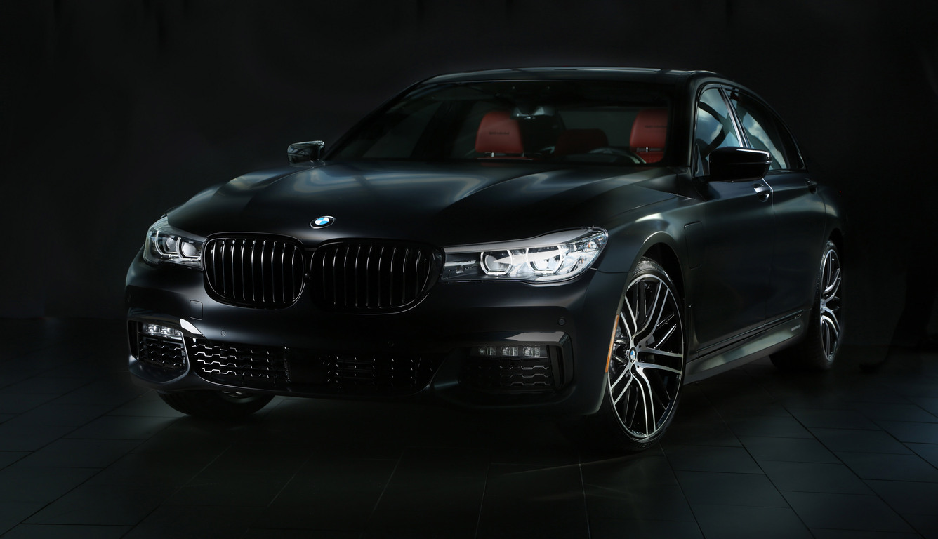 2017-bmw-740e-iperformance-m-performance-front-9d.jpg