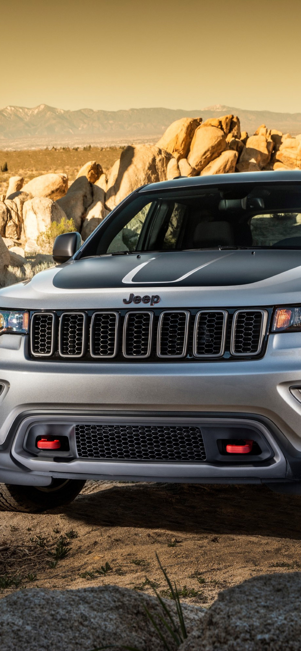 1242x2688 2017 Jeep Grand Cherokee Trailhawk Iphone Xs Max