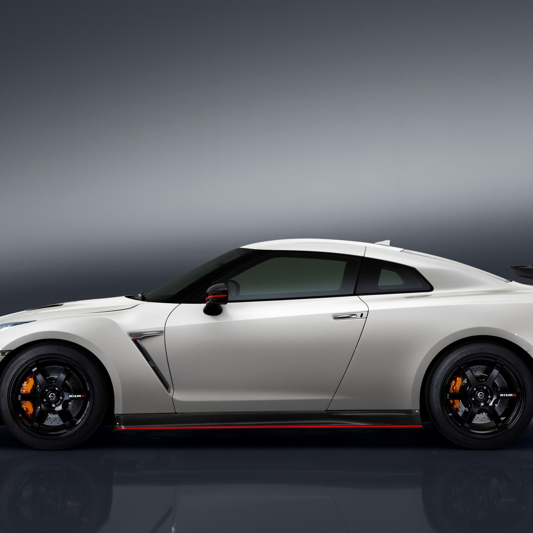 Nissan Gtr Ipad Wallpaper: 2048x2048 2017 Nissan GT R Nismo Ipad Air HD 4k Wallpapers