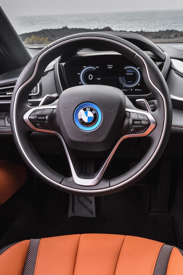 640x960 2018 Bmw I8 Roadster Interior Iphone 4 Iphone 4s Hd 4k