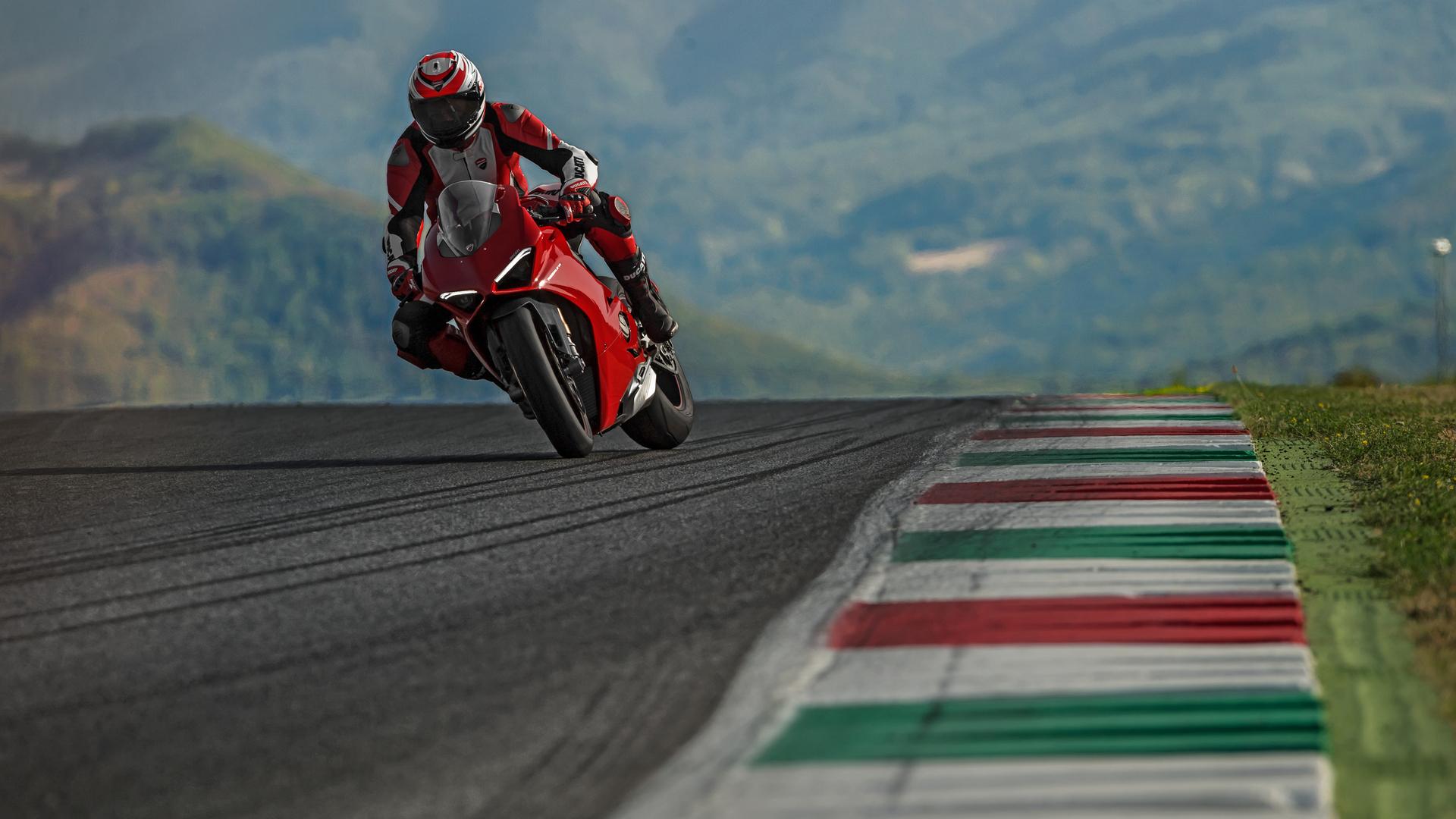 1920x1080 2018 Ducati Panigale V4 4k Laptop Full HD 1080P