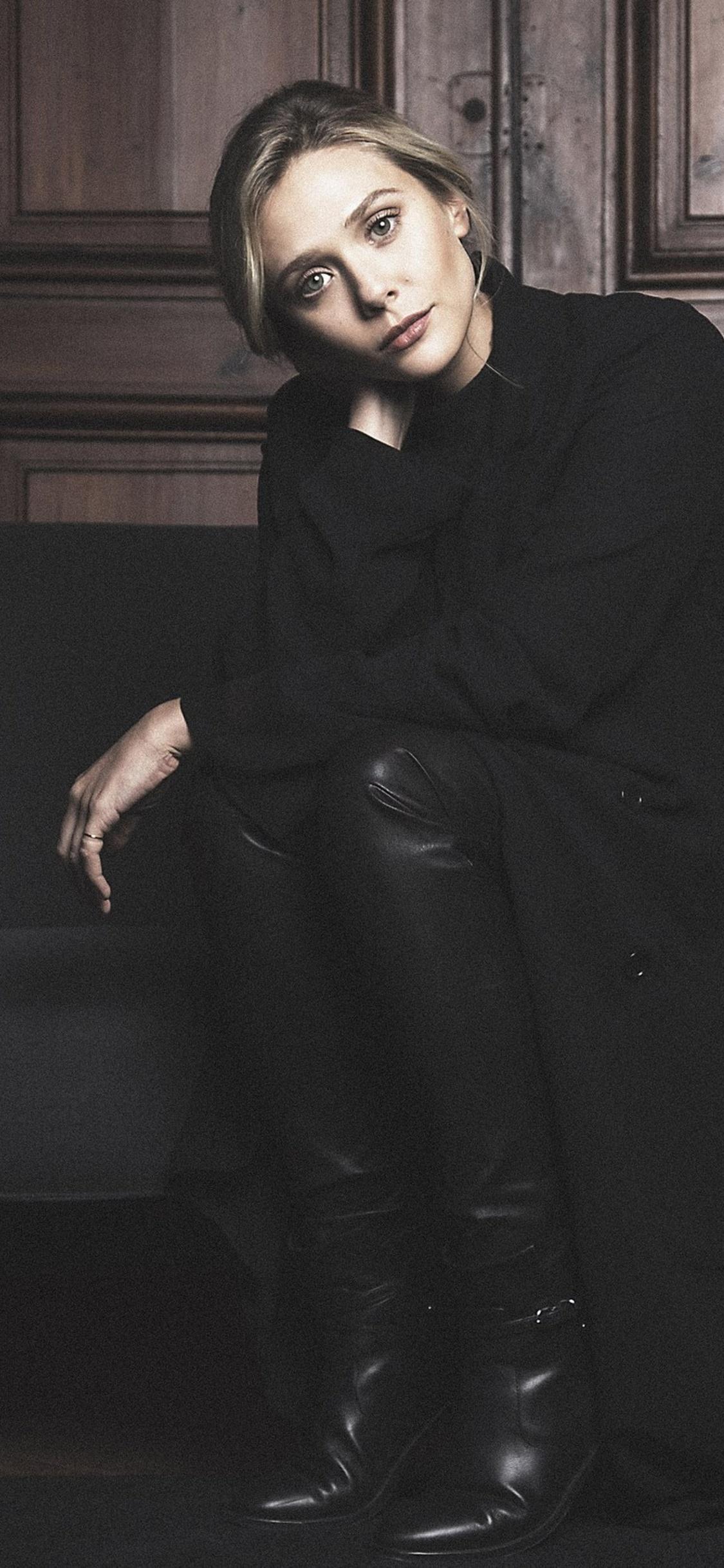 2018 Elizabeth Olsen 13