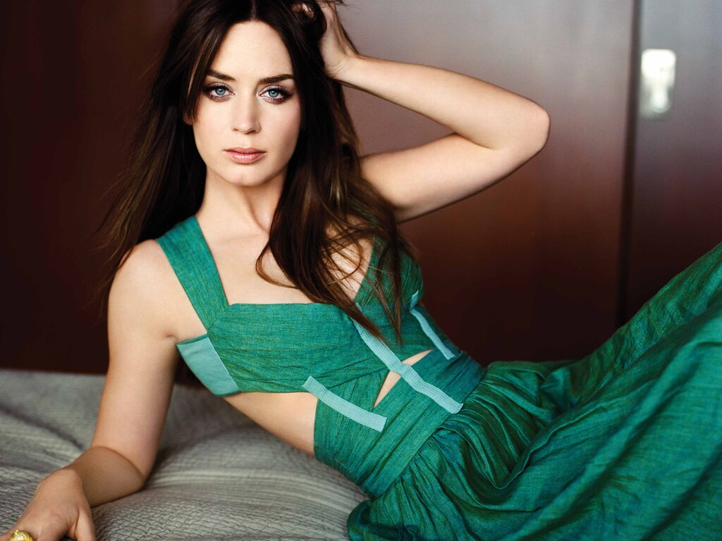 Wallpaper dress, actress, lies, Emily Blunt, Emily blunt images ... | 768x1024