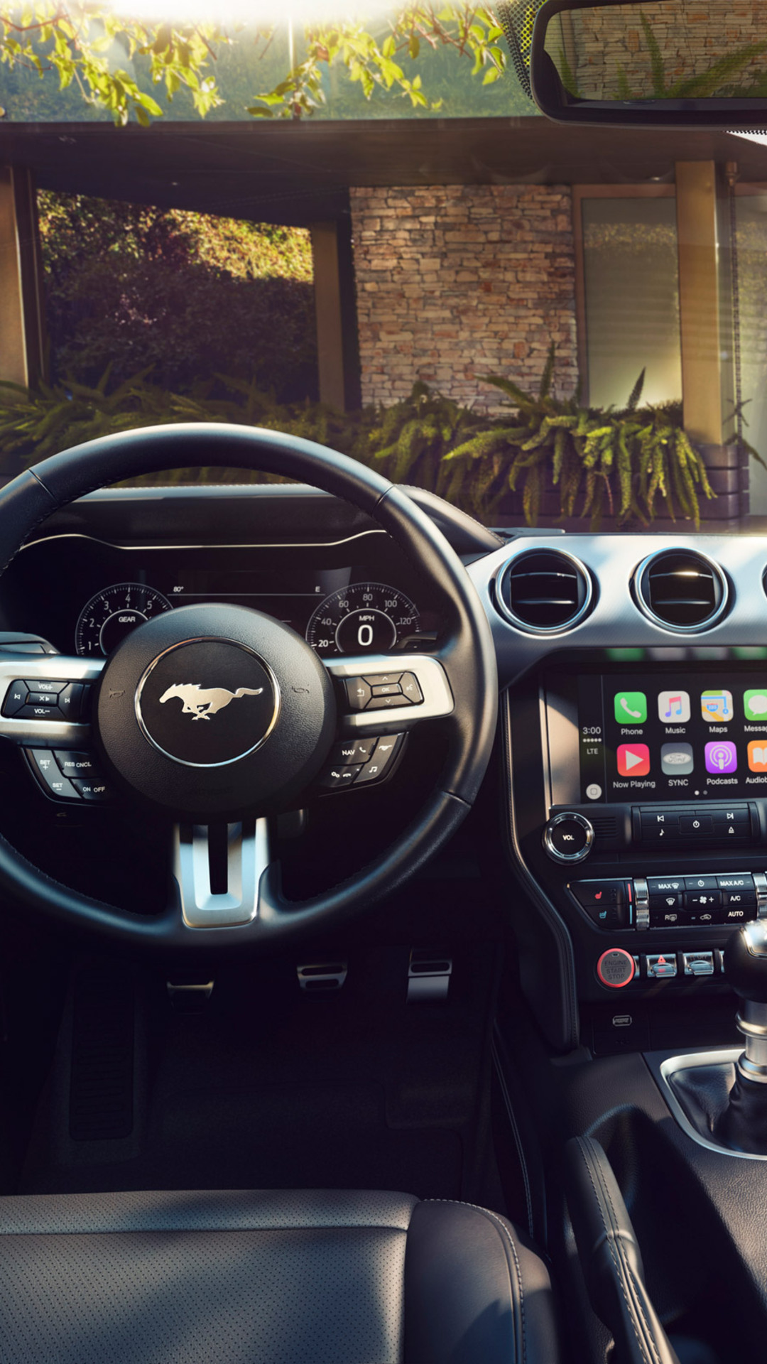2018-ford-mustang-interior-wide.jpg