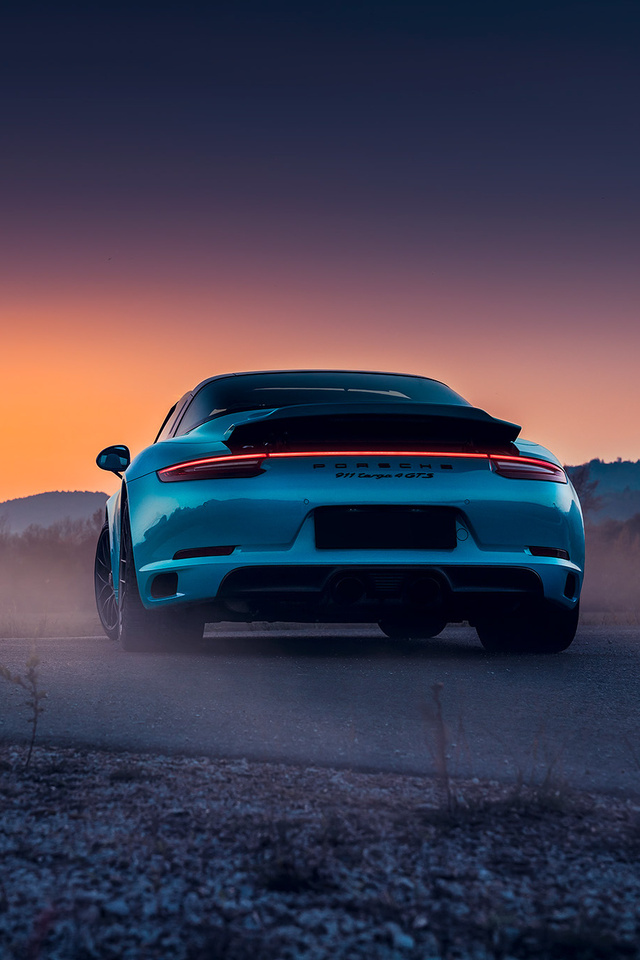 640x960 2018 Porsche 911 Targa 4S GTS