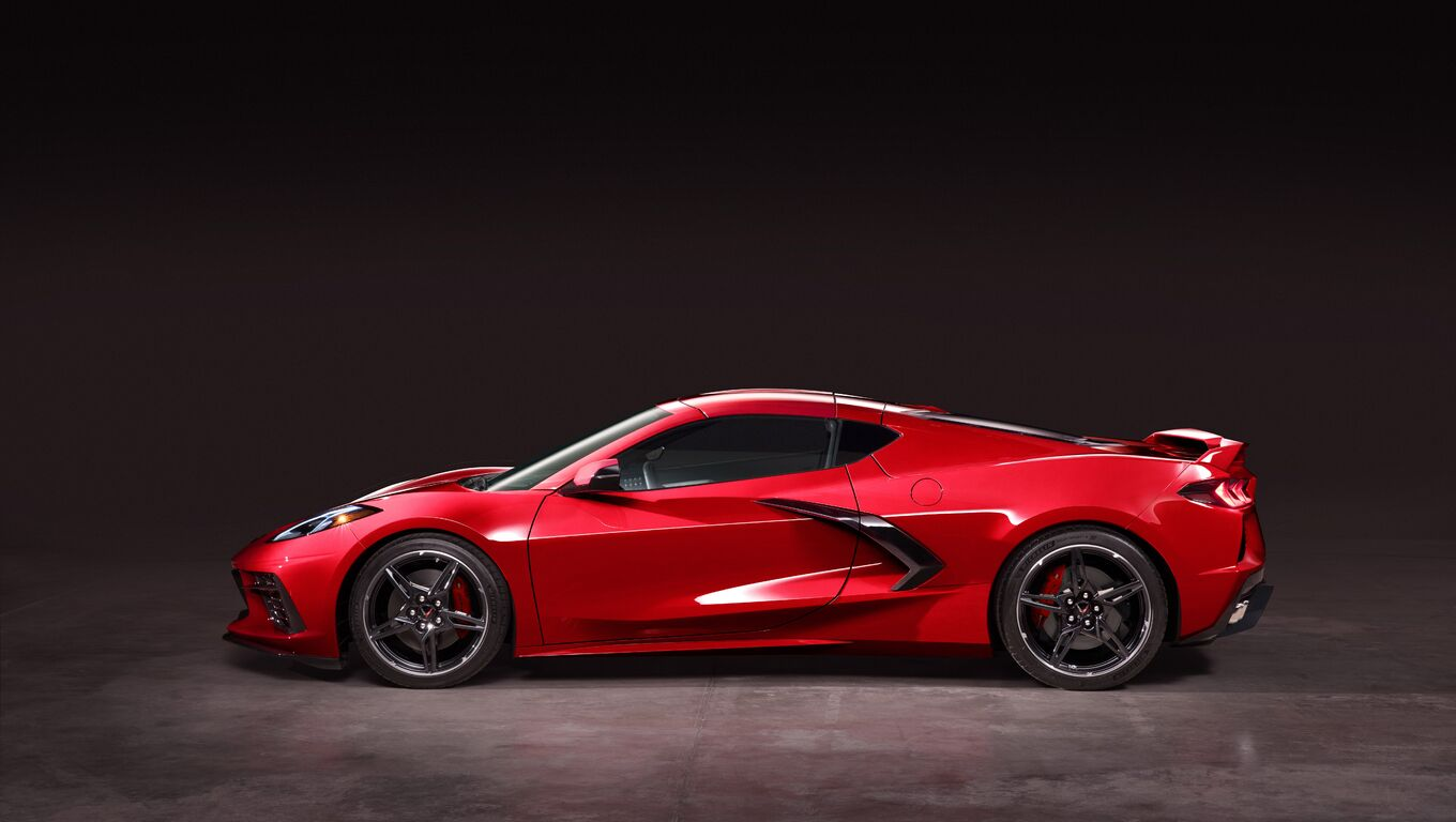 2020-chevrolet-corvette-stingray-c8-5k-qu.jpg