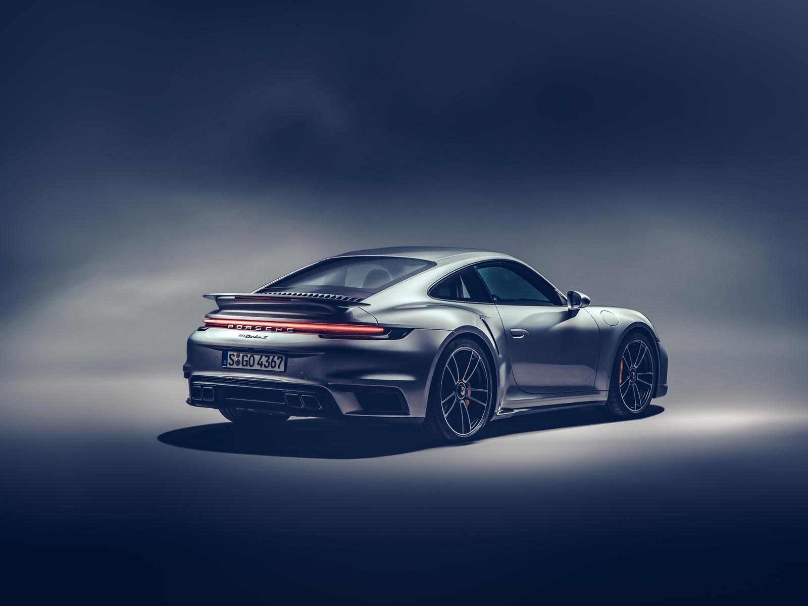 2021-porsche-911-turbo-s-rear-view-u8.jpg