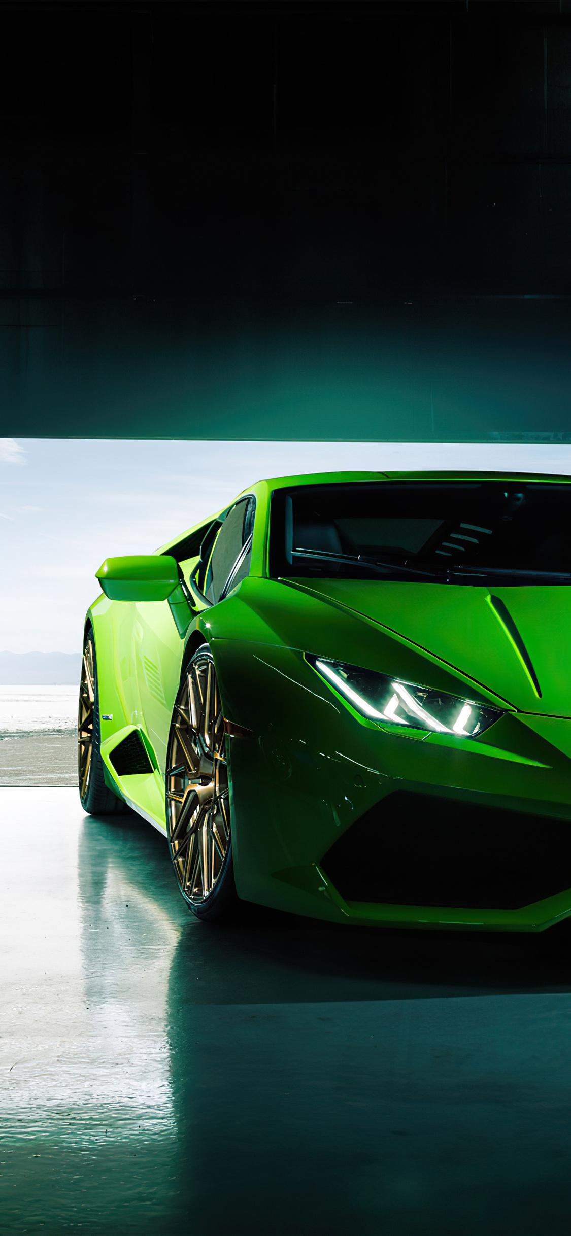 1125x2436 4k Green Lamborghini Huracan 2020 Iphone XS ...