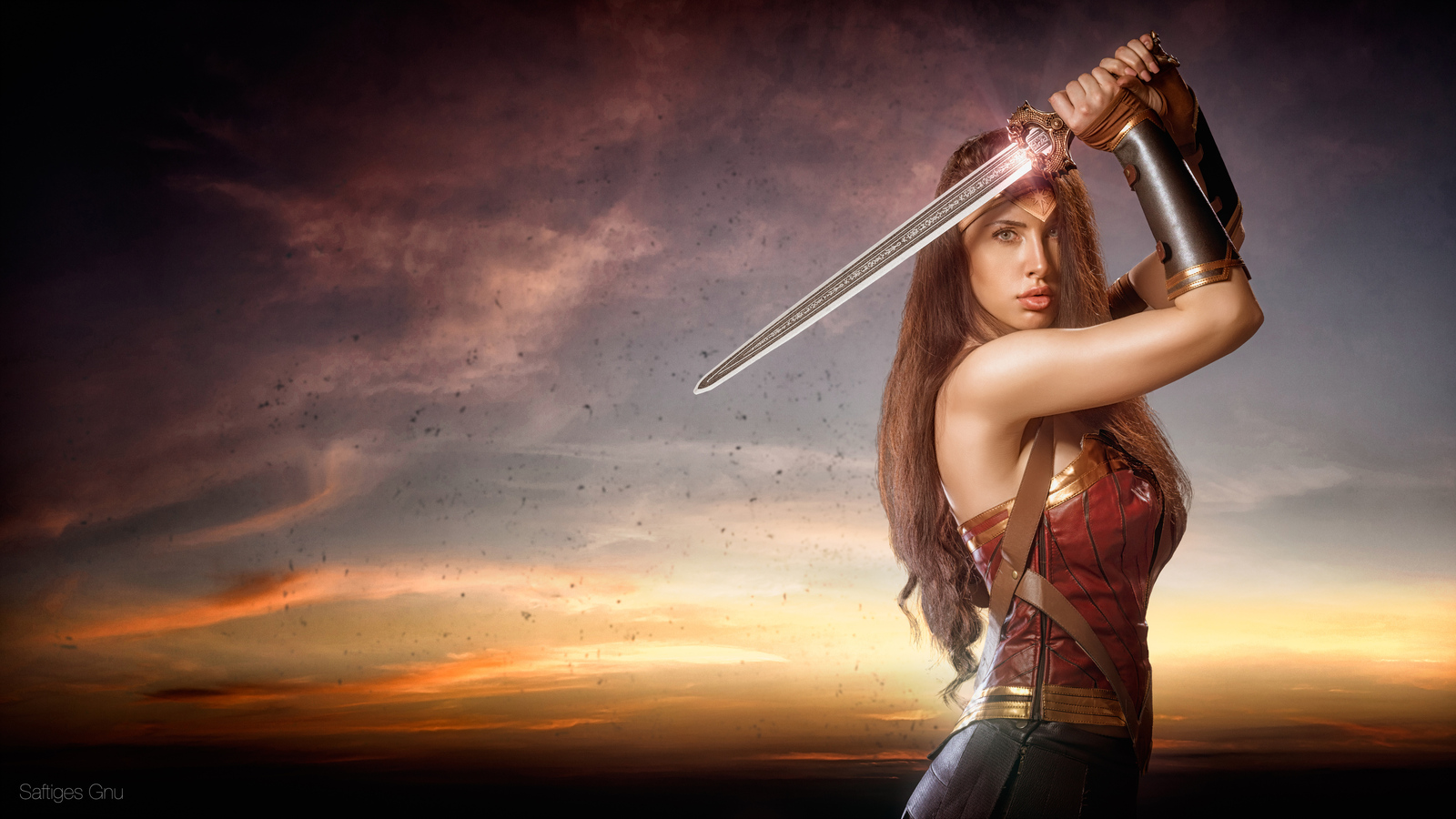 4k-wonder-woman-cosplay-0j.jpg
