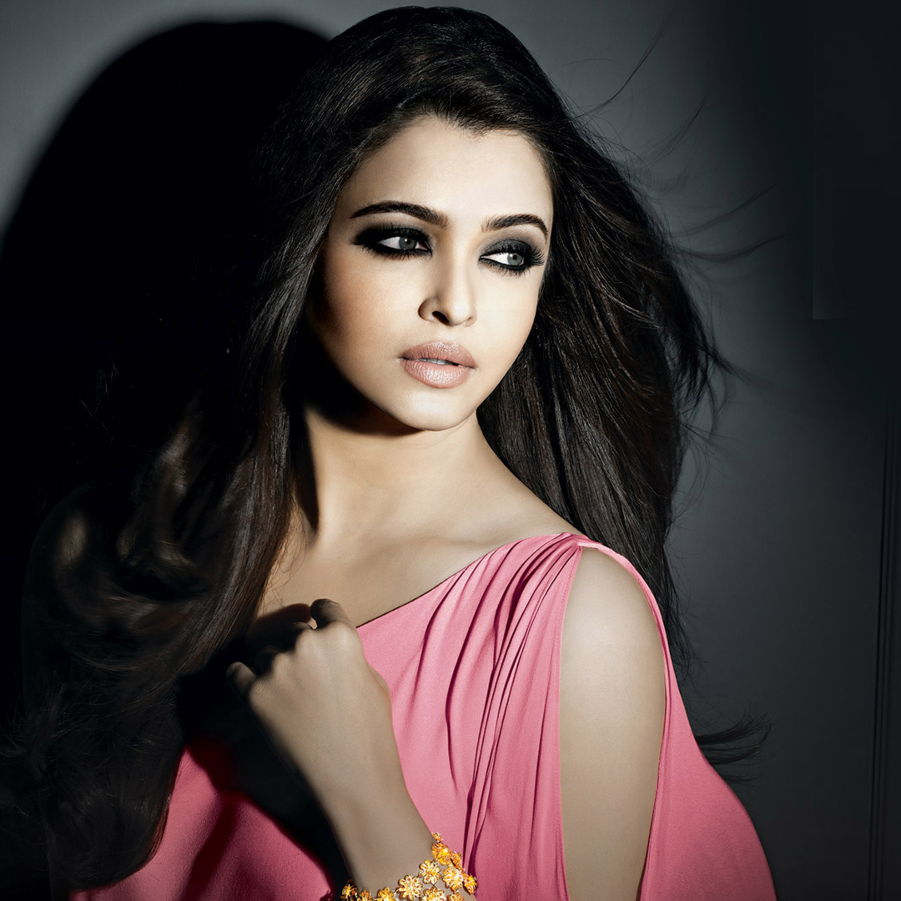aishwarya-rai-beautiful.jpg