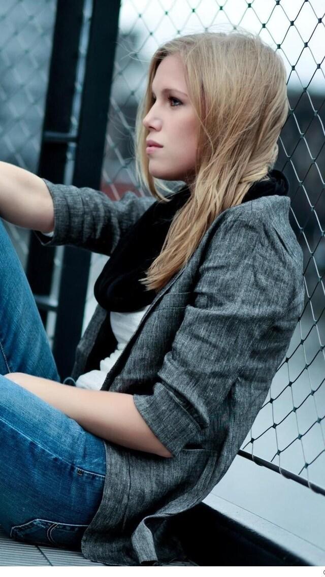 alone-girl-hd.jpg