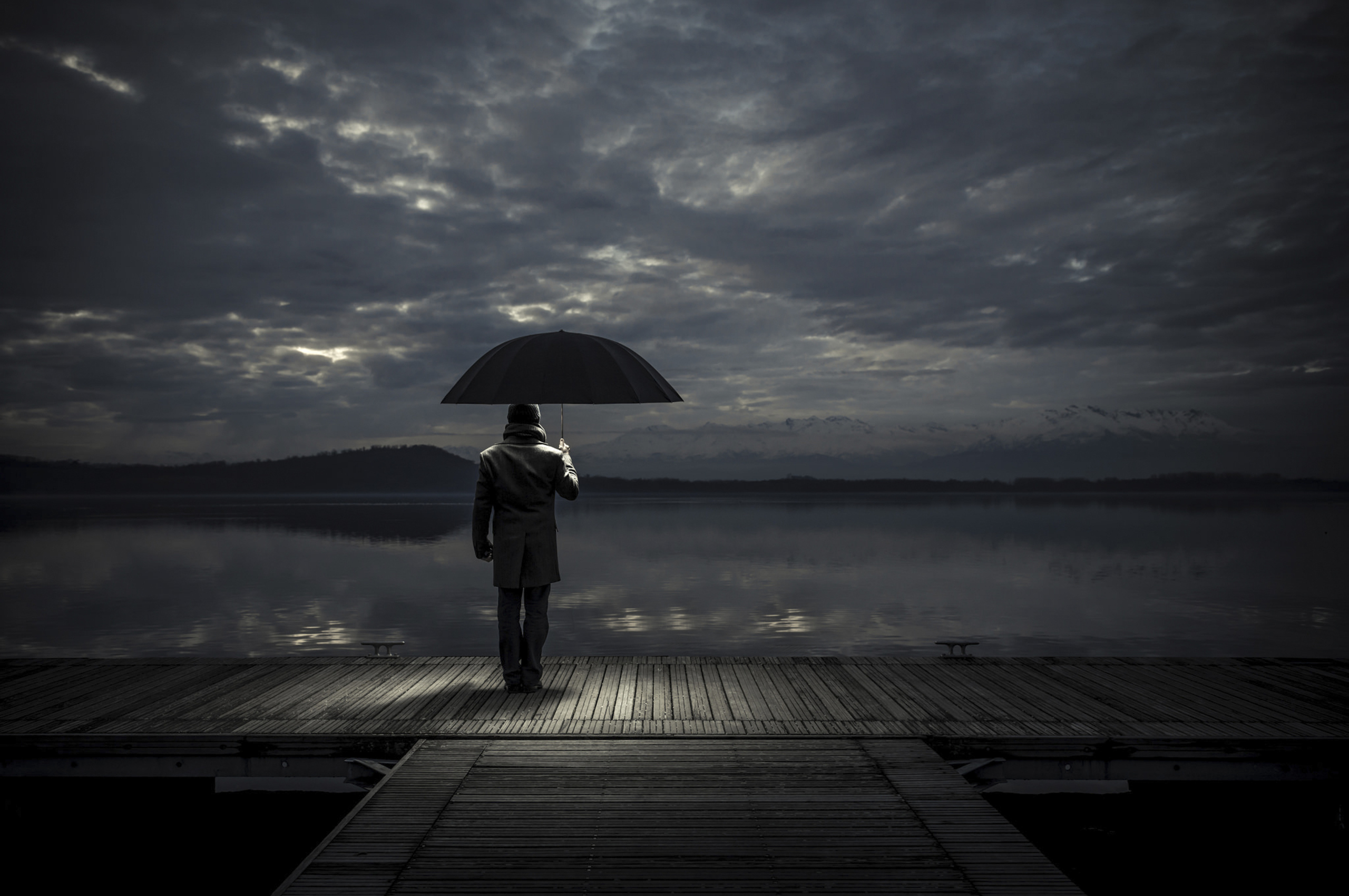 wandering alone at night - HD2560×1700
