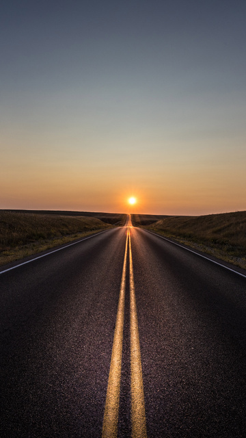 alone-road-sun-5k-cl.jpg