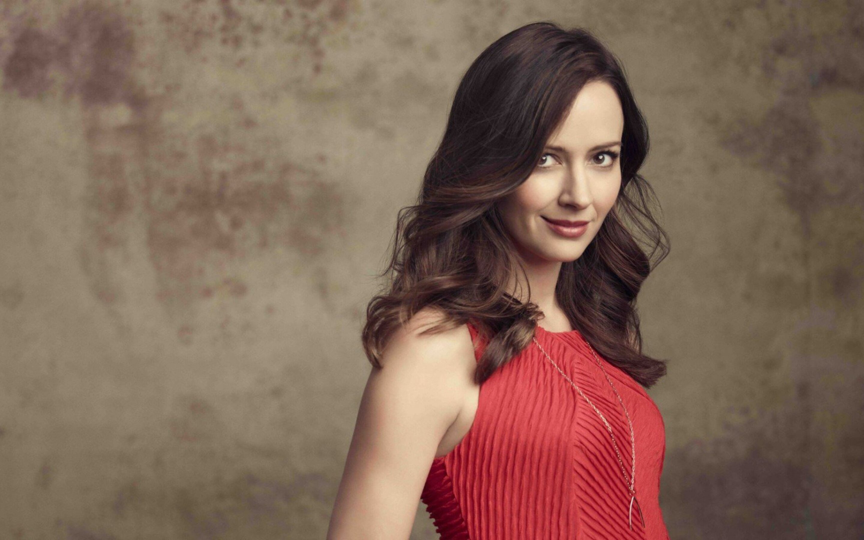 2880x1800 amy acker macbook pro retina hd 4k wallpapers, images