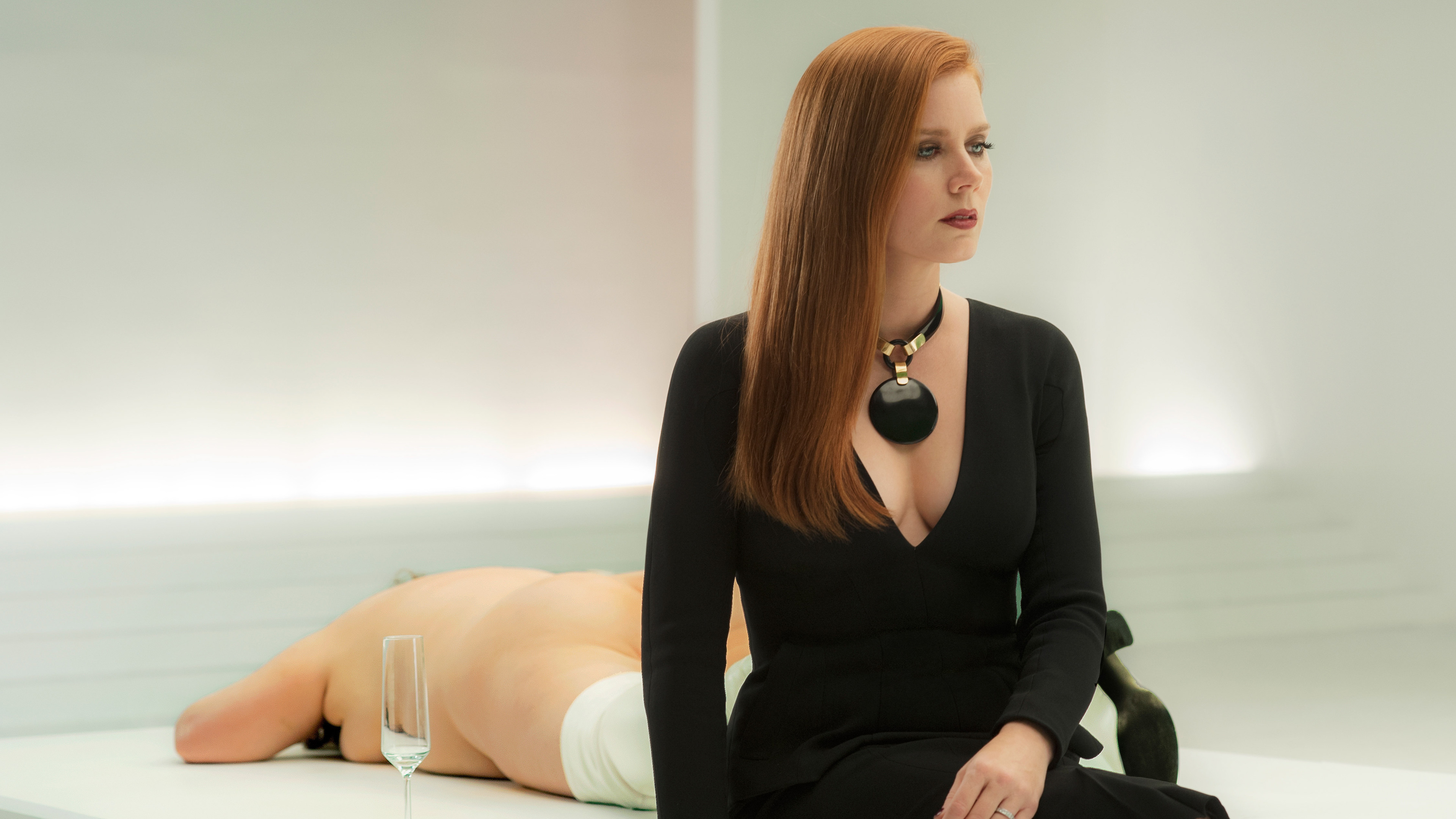 amy-adams-in-nocturnal-animals-on.jpg