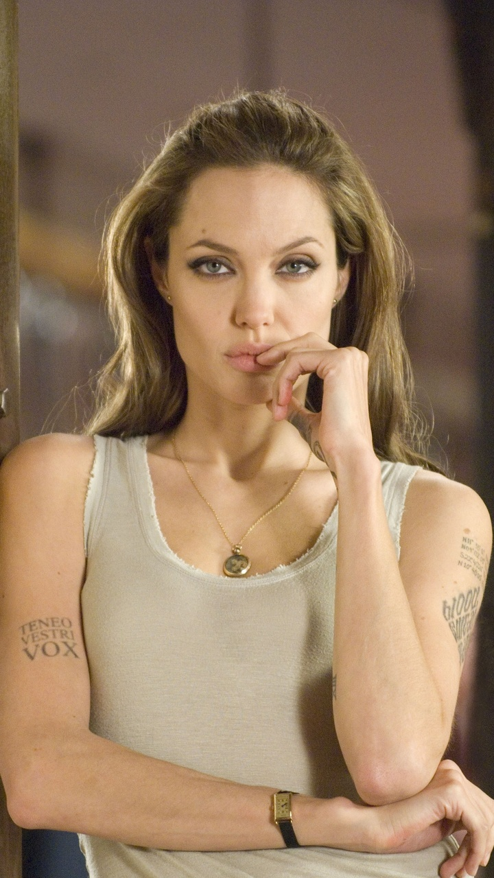 720x1280 Angelina Jolie In Wanted 4k Moto Gx Xperia Z1z3 Compact