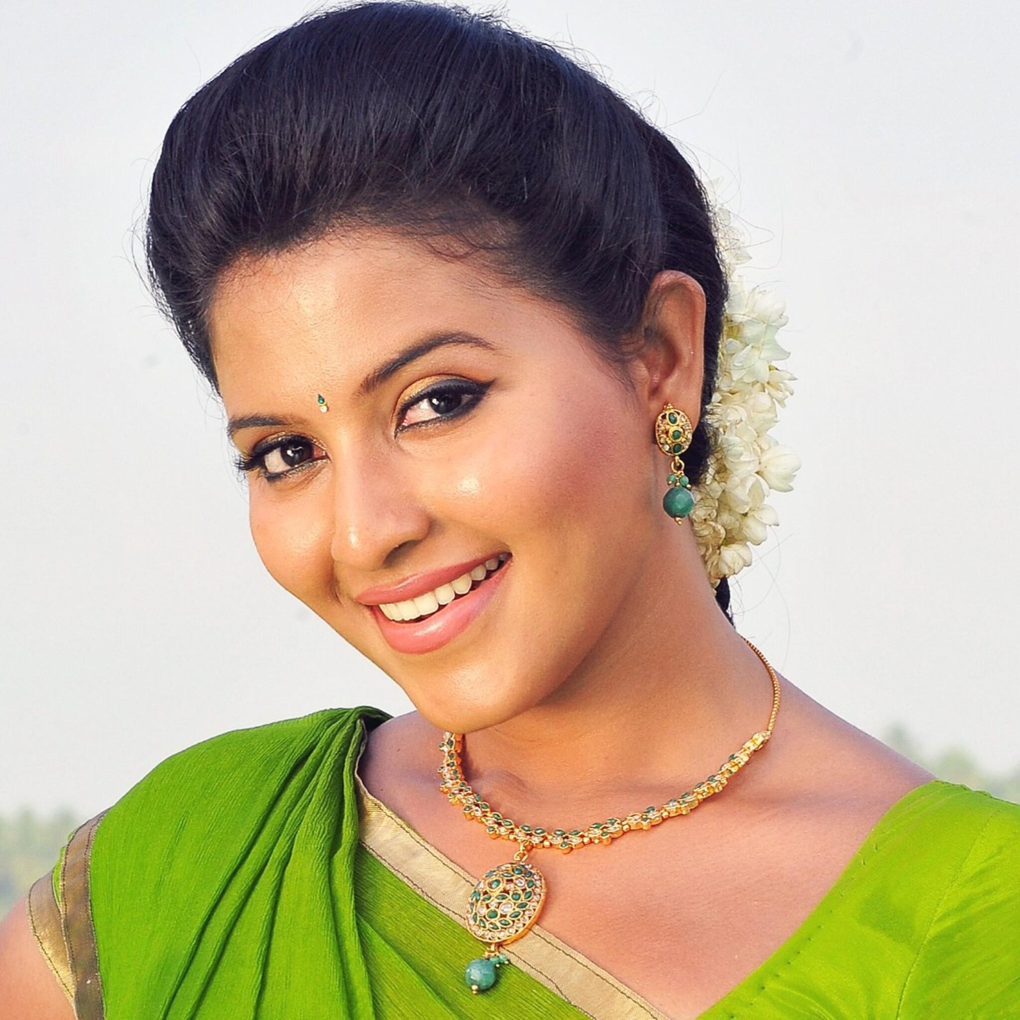 2048x2048 anjali telugu actress ipad air hd 4k wallpapers images backgrounds photos and pictures - Telugu hd wallpaper ...