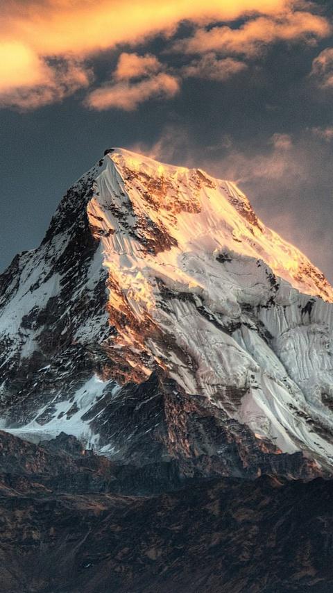 annapurna-massif-mountain-range-nepal-st.jpg