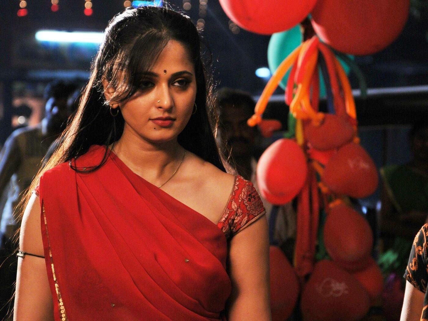anushka-in-vannam-movie.jpg