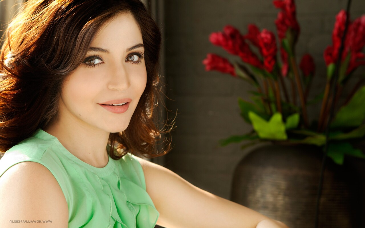 1280x800 anushka sharma 10 720p hd 4k wallpapers, images