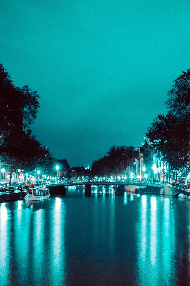 architecture-boats-bridge-4k-gr.jpg