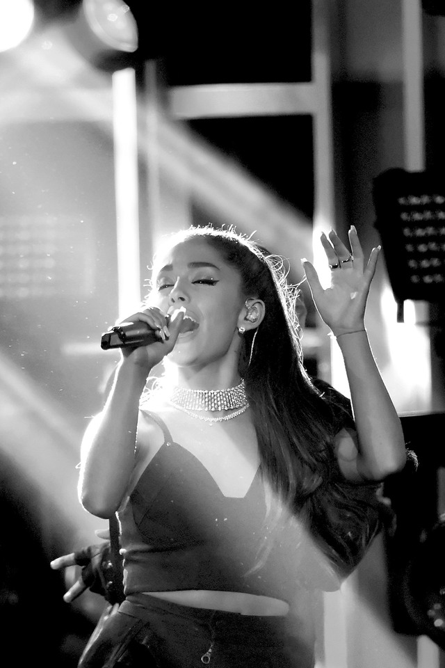 640x960 ariana grande life performance iphone 4 iphone 4s hd 4k ariana grande life performance apg voltagebd Images