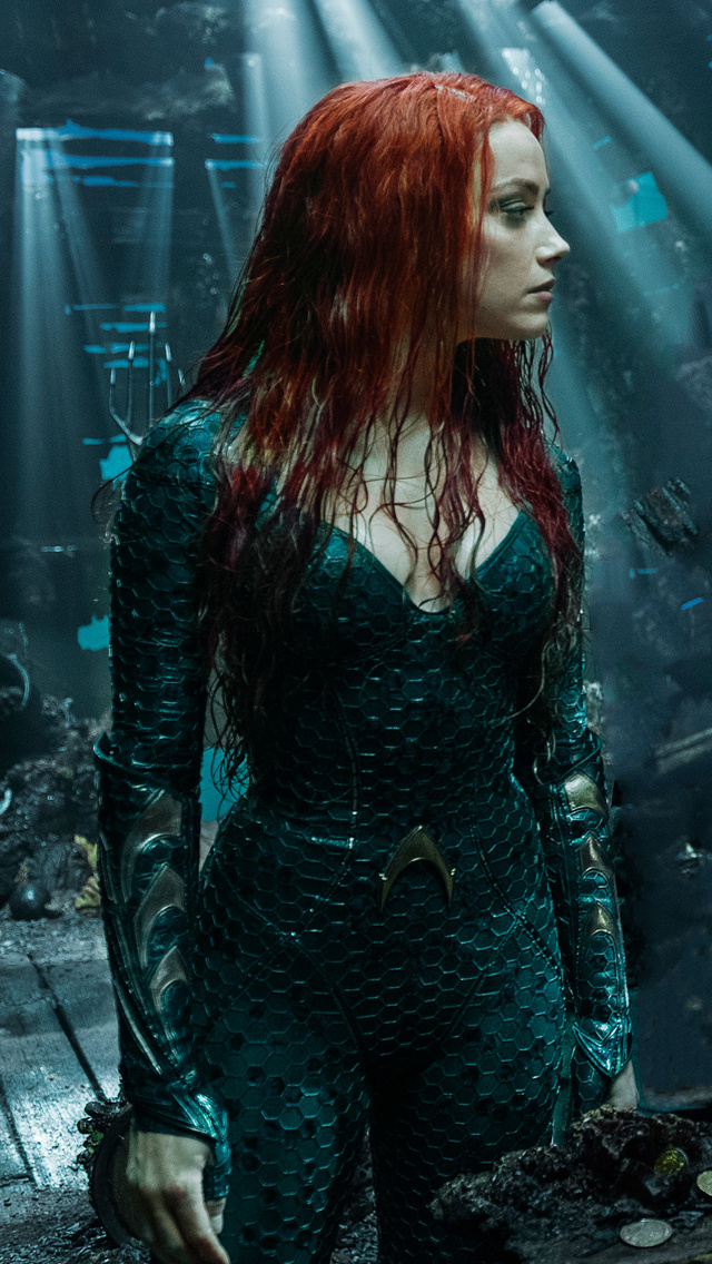 arthur-curry-and-amber-heard-as-mera-in-aquaman-2018-im.jpg