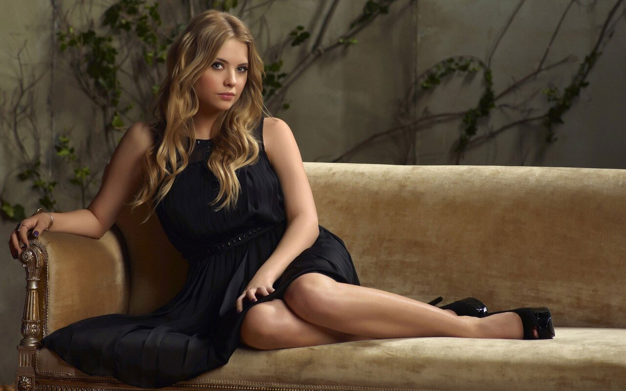 ashley-benson-posing-hd.jpg