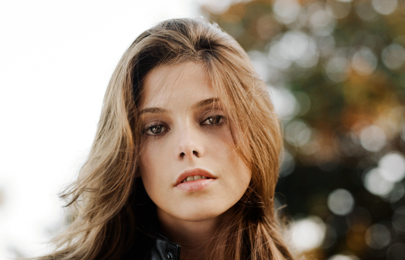 ashley-greene-cute-look-4k-j1.jpg