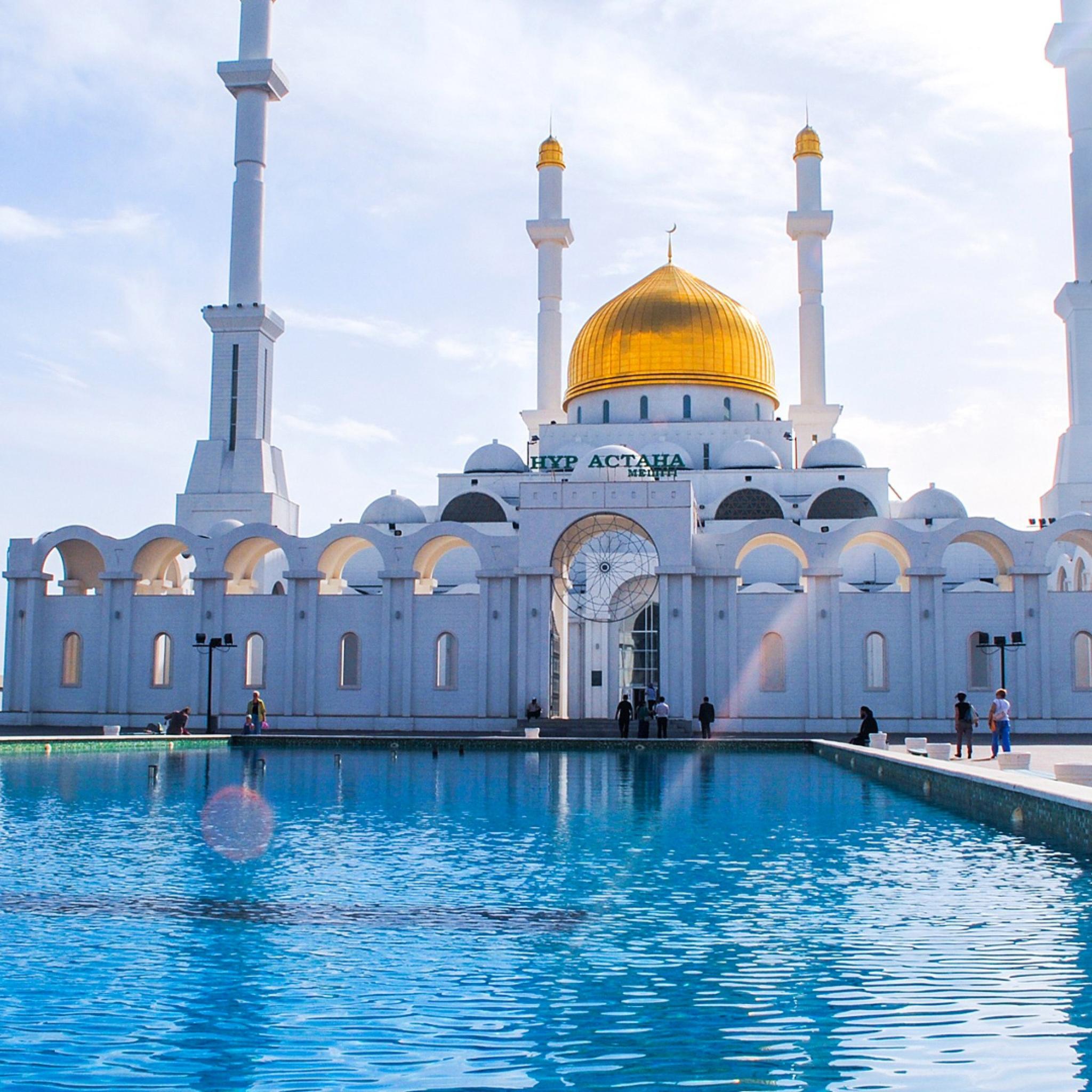 2048x2048 Astana Mosque Minaret Kazaksthan Ipad Air HD 4k