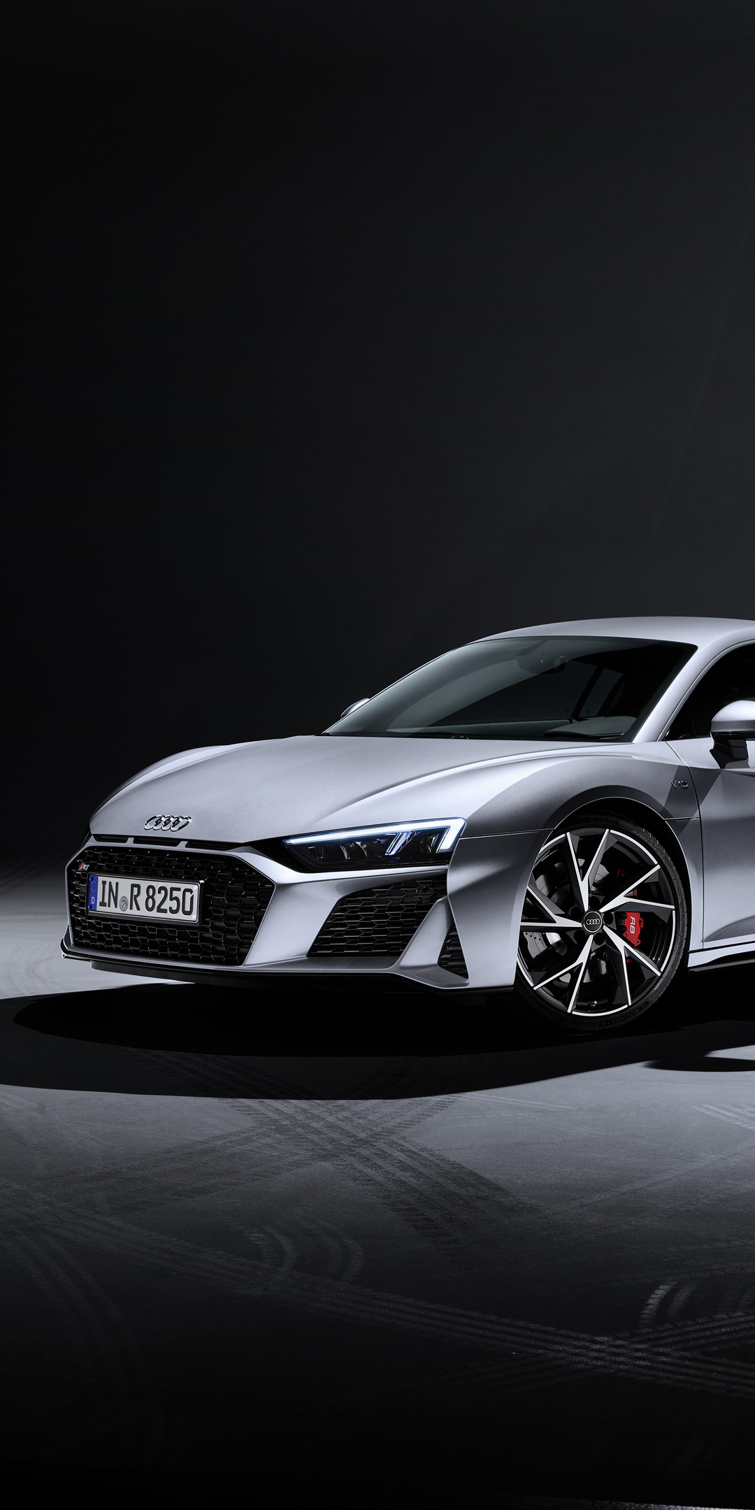 audi-r8-v10-rwd-coupe-2019-side-view-mo.jpg
