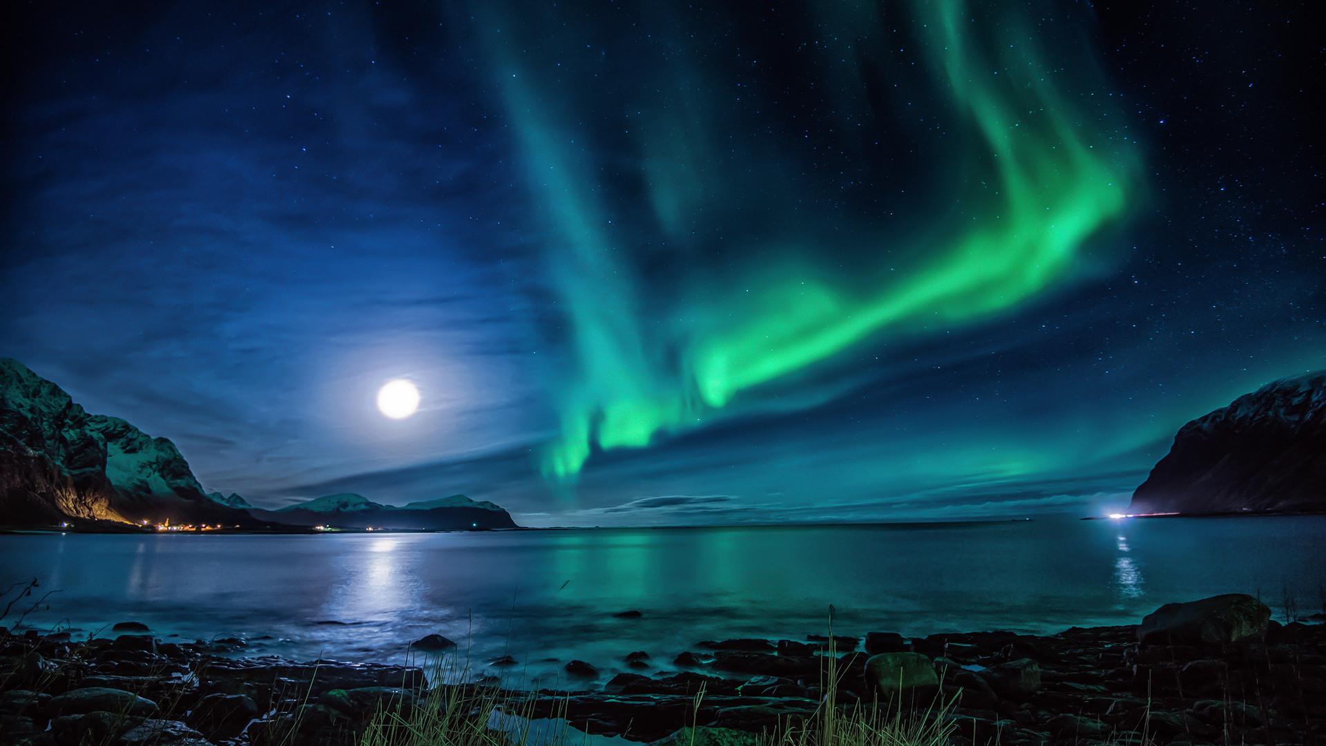 1920x1080 Aurora Borealis Moon Night Laptop Full HD 1080P