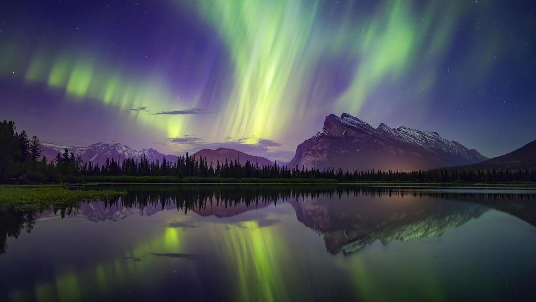 1360x768 Aurora Borealis Mountains Lake Reflection Banff ...