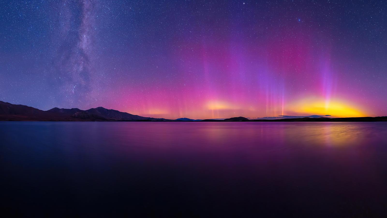 aurorare-landscape-8k-ra.jpg