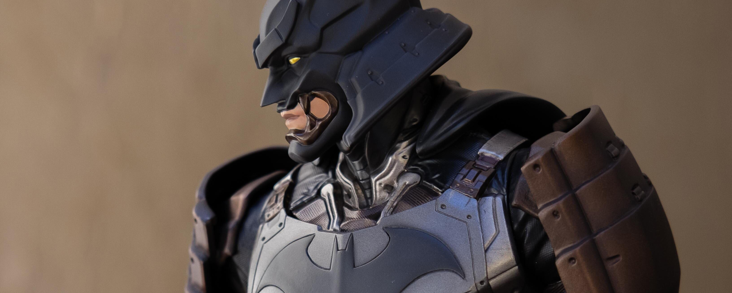 batman-armour-suit-z1.jpg