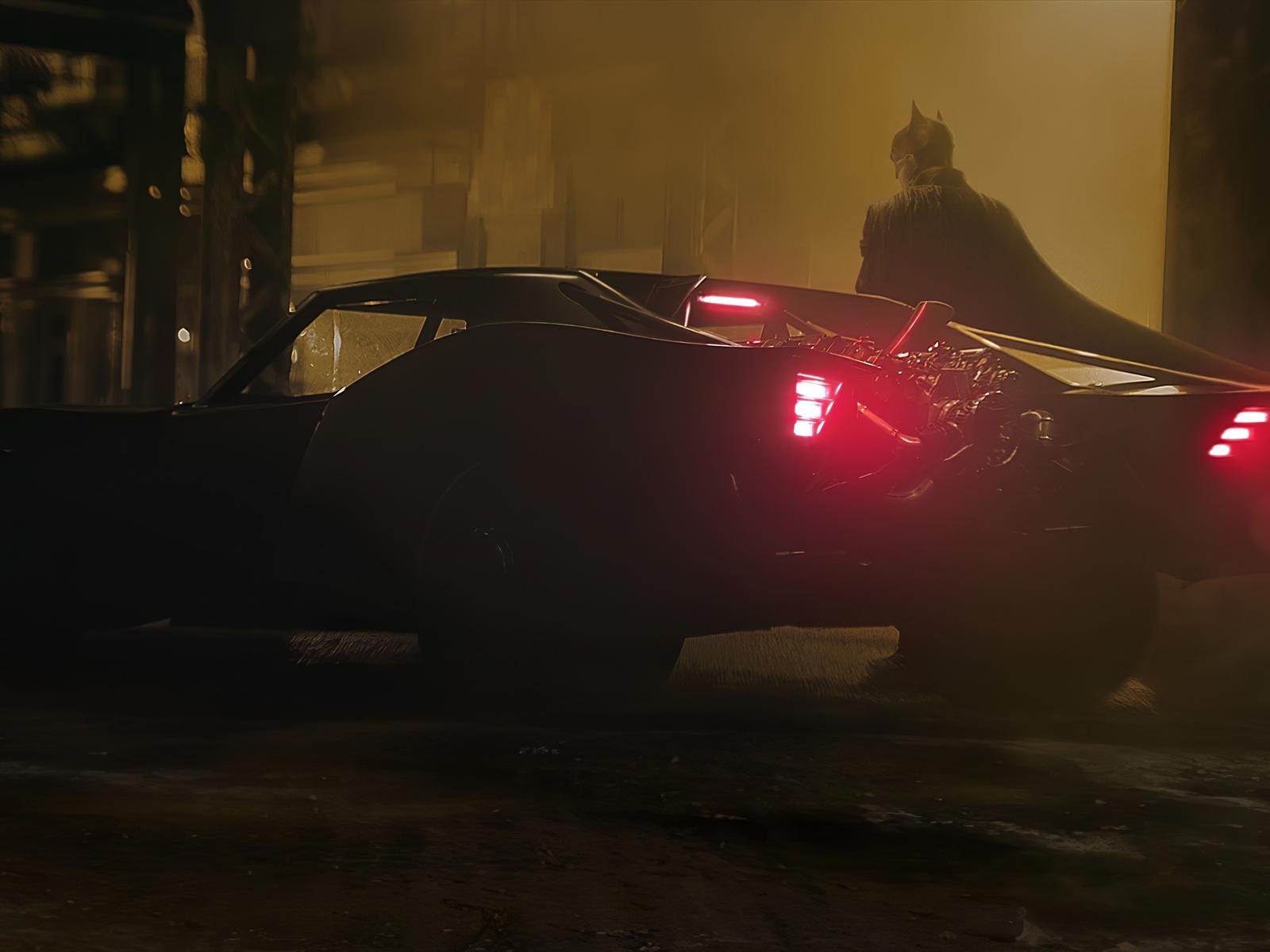 batman-new-batmobile-ca.jpg