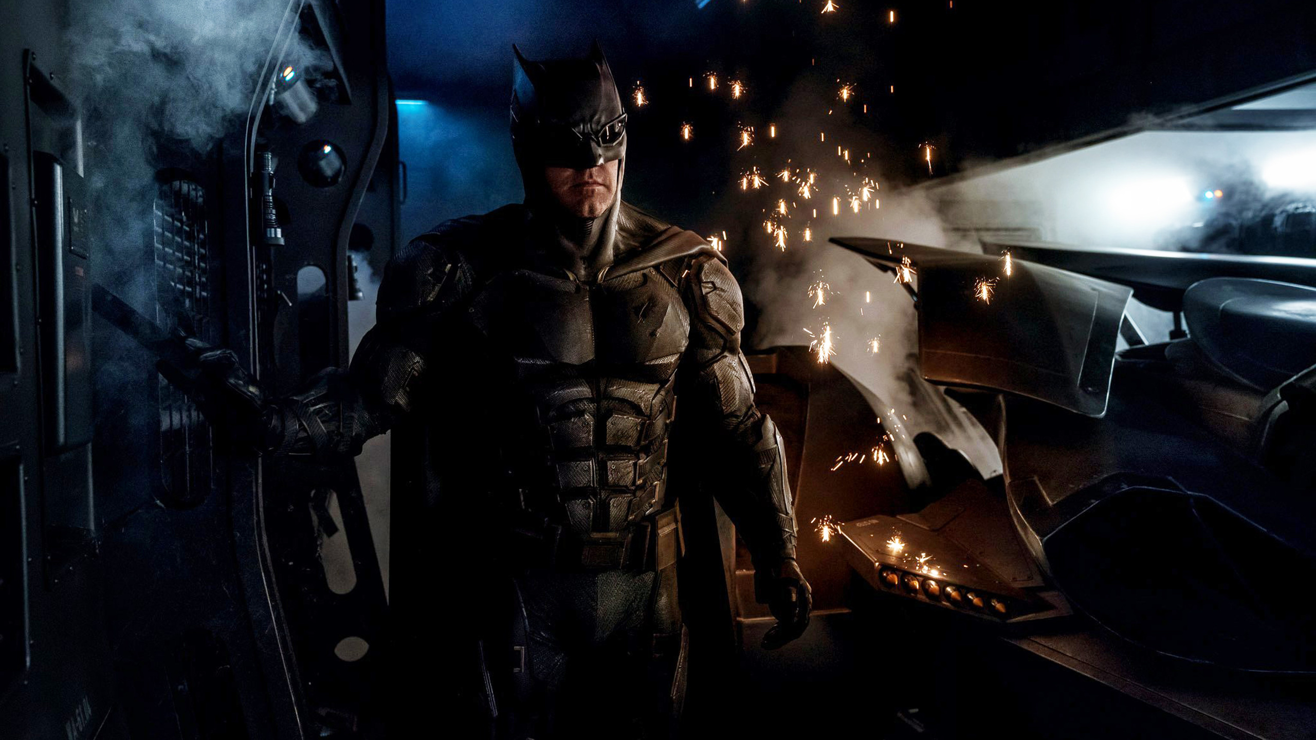 batman-tactical-suit-justice-league-ap.jpg