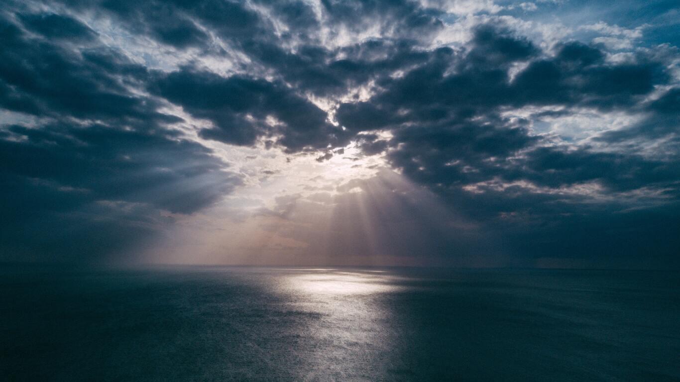 1366x768 Beach Clouds Landscape Light Evening Sun Rays Gn Wallpaper