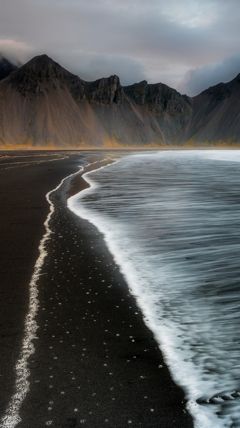 beach-foam-iceland-mountain-nature-4k-t0.jpg