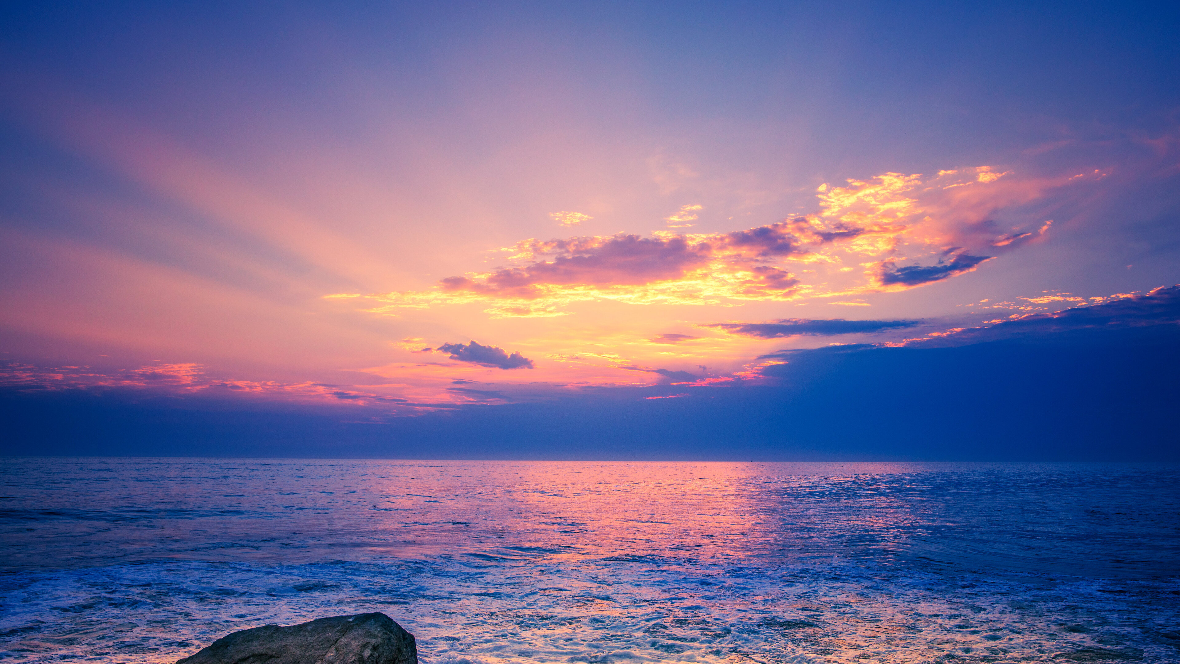 beach-rocks-ocean-5k-ib.jpg