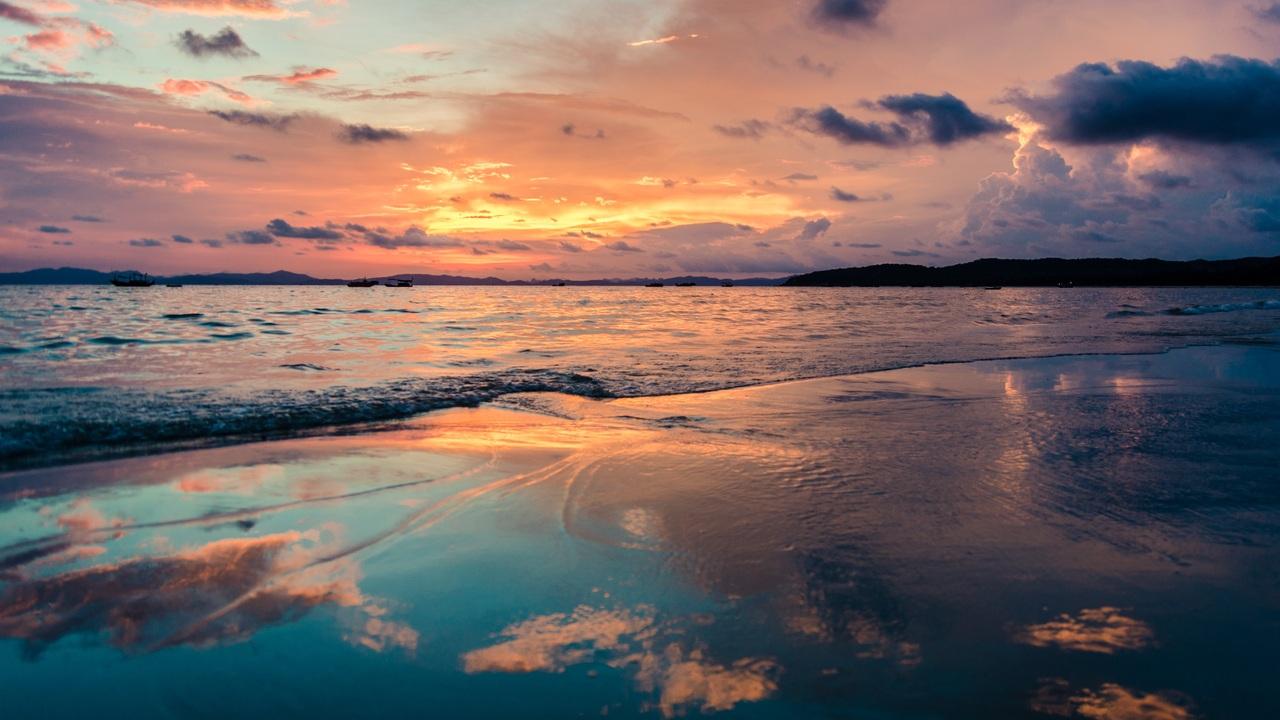 beach-sea-the-heaven-4k-5k-um.jpg